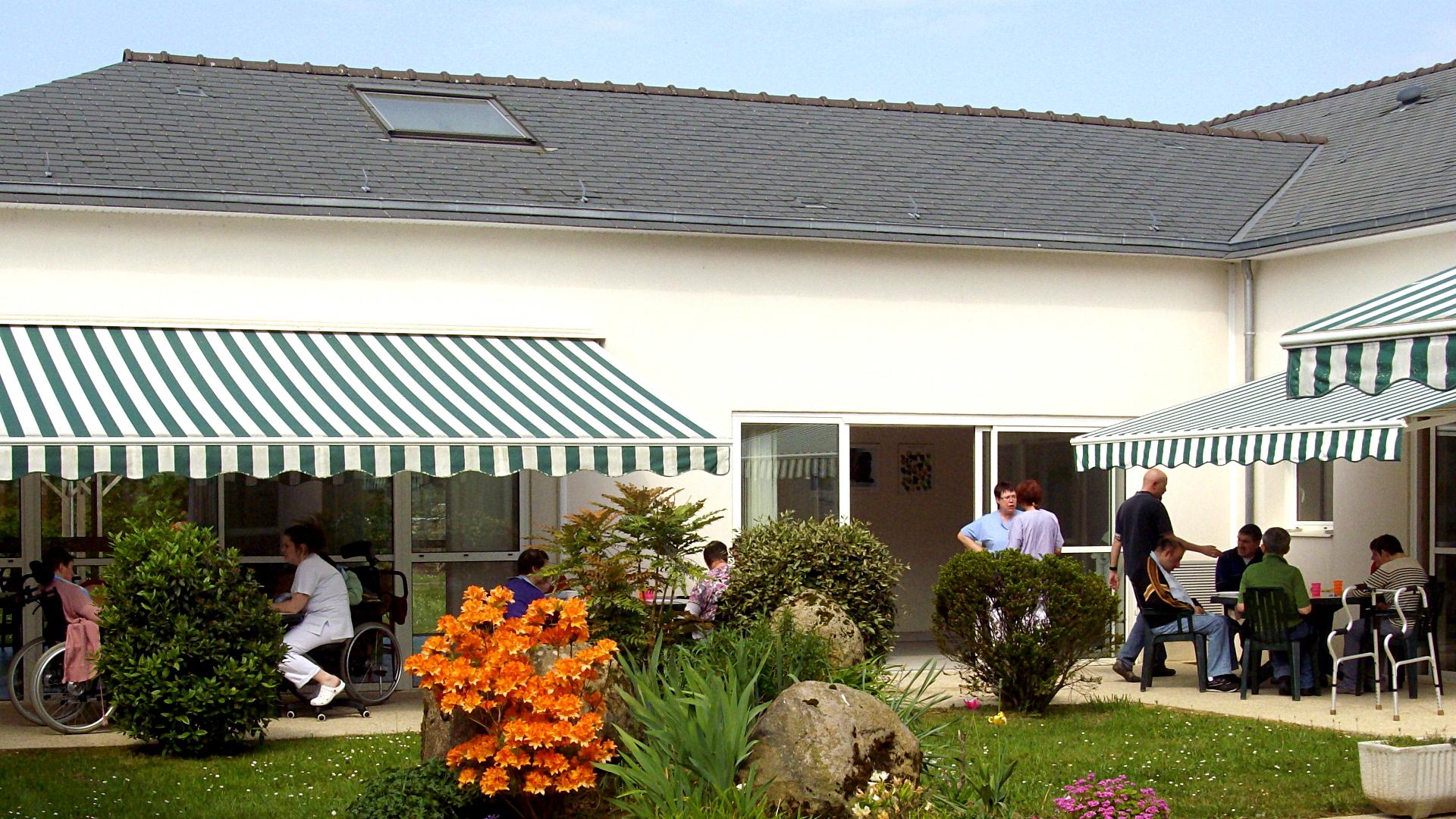 Un Après Midi à La Maison D'accueil Spécialisée (mas) Le Village Vert De Carhaix Plouguer (29)